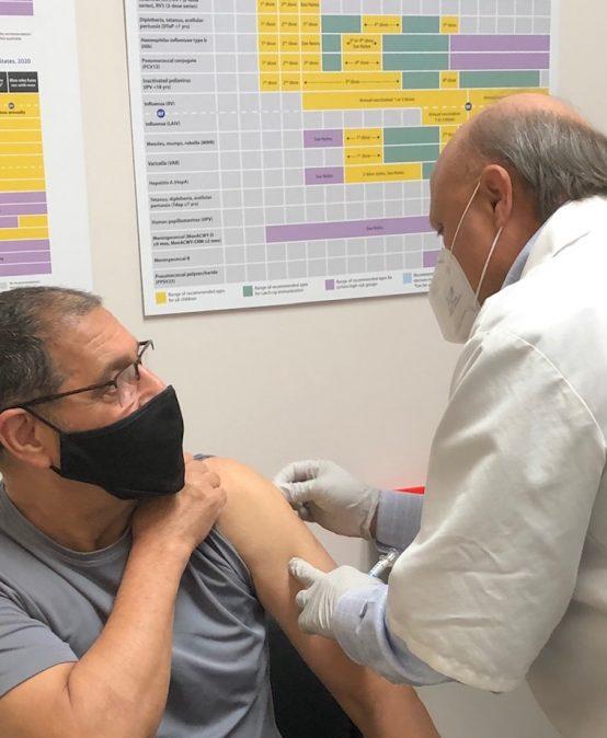 Dr.-E-gets-the-Flu-Shot