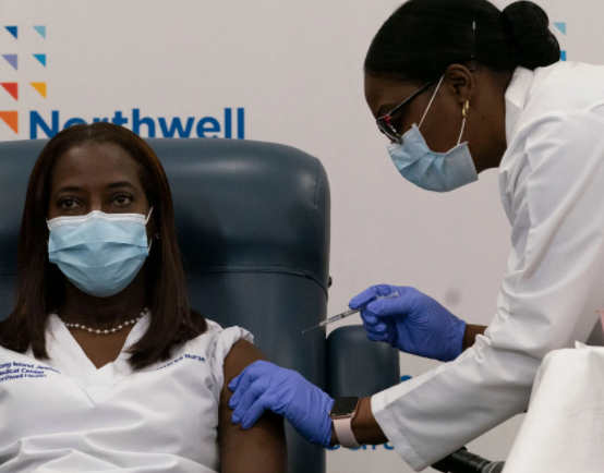 Newyorker-news-daily-comment-african-american-resistance-to-the-covid-19-vaccine-reflects-a-broader-problem-by-Jelani-Cobb